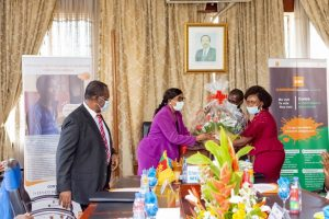 minister of social affairs signs a Memorandum of understanding with the CBC health Services